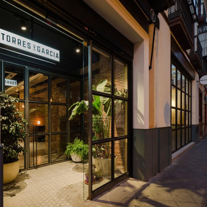 Torres y García Persevera Producciones Restaurant